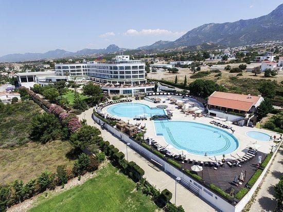 Отельный комплекс на Кипре